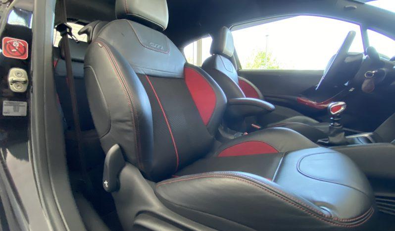Peugeot 208 GTI completo